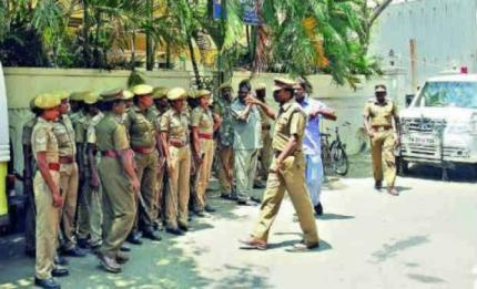 police-personnel-deployed-in-front-of-mahabodhi-society-in-egmore-after-a-group-of-men-tried-to-attack-the-building-photo-deccan-chronicle_0_2_2_0_0.jpg